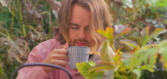 """Daniel Keane offers a haven of homegrown indie-pop melodies on single """"Let's Buy A Farm"""""""